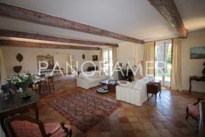 maison-a-vendre-saint-tropez-8-1-300x200 maison-a-vendre-saint-tropez-8 immobilier Saint Tropez Grimaud Ramatuelle Gassin