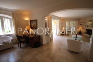 @1024-IMG_3998-300x200 @1024-IMG_3998 immobilier Saint Tropez Grimaud Ramatuelle Gassin