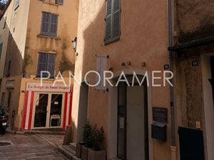 immobilier-300x225 immobilier immobilier Saint Tropez Grimaud Ramatuelle Gassin