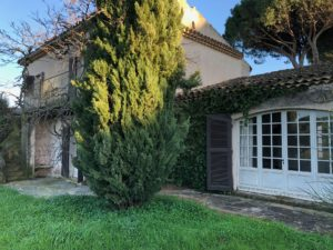 IMG_2563-300x225 IMG_2563 immobilier Saint Tropez Grimaud Ramatuelle Gassin