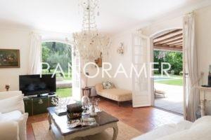 maison-a-vendre-st-tropez-4-1-300x200 maison-a-vendre-st-tropez-4 immobilier Saint Tropez Grimaud Ramatuelle Gassin