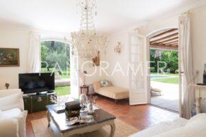 maison-a-vendre-st-tropez-4-300x200 maison-a-vendre-st-tropez-4 immobilier Saint Tropez Grimaud Ramatuelle Gassin