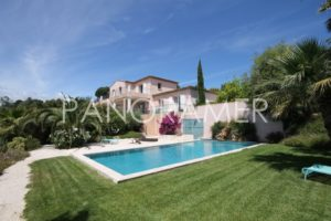 Agence-immobiliere-grimaud-1-300x200 Agence-immobiliere-grimaud-1 immobilier Saint Tropez Grimaud Ramatuelle Gassin