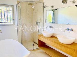 Villa-prestige-saint-tropez-3-300x224 Villa-prestige-saint-tropez-3 immobilier Saint Tropez Grimaud Ramatuelle Gassin
