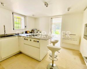 Villa-prestige-saint-tropez-4-300x238 Villa-prestige-saint-tropez-4 immobilier Saint Tropez Grimaud Ramatuelle Gassin