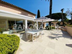villa-saint-tropez-place-des-lices-4-300x225 villa saint tropez place des lices 4 immobilier Saint Tropez Grimaud Ramatuelle Gassin